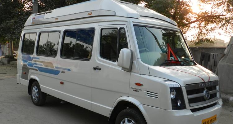 1x1 11+ D Luxury Traveller hire in Delhi