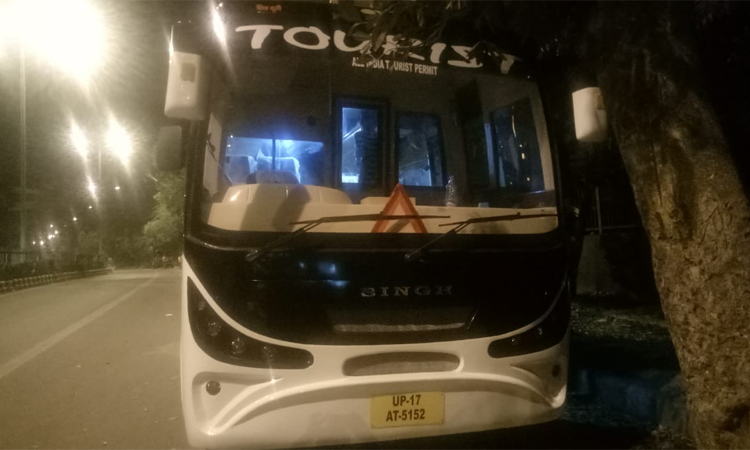 27 Seater Mini Bus Luxury Coach Ashok Leyland  hire in Delhi