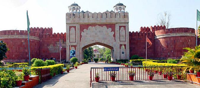 Delhi to Kanpur Car Rental Services - Best Deal