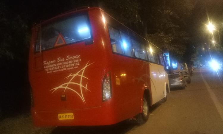27 Seater Luxury Coach hire in Delhi
